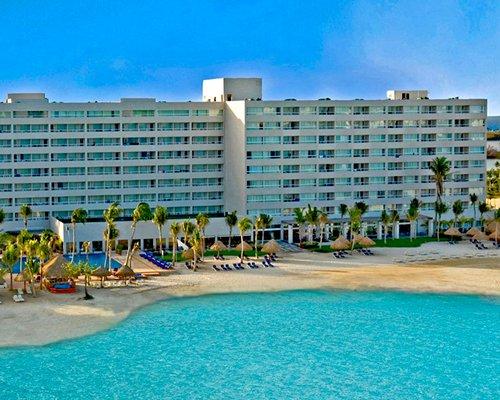 Oasis Viva Beach Cancun The Best Beaches In World