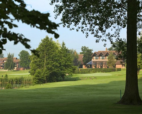 BARNHAM BROOM GOLF AND COUNTRY CLUB