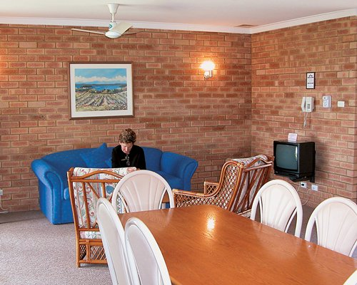 BUSSELTON BEACH RESORT