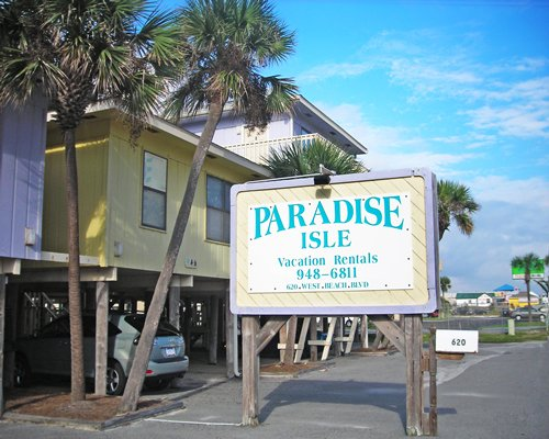 PARADISE ISLE RESORT