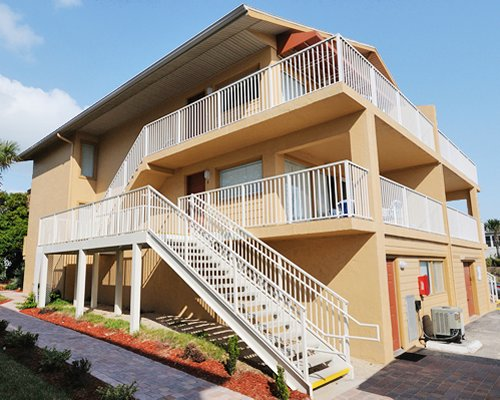 Ocean Beach Club at New Smyrna Waves by Exploria Resorts