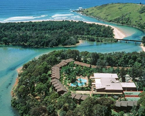 Boambee Bay Resort