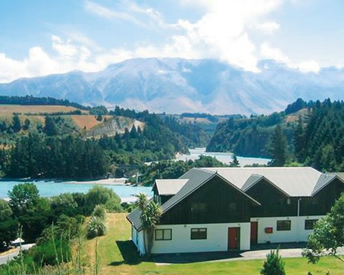 MOUNT HUTT LODGE