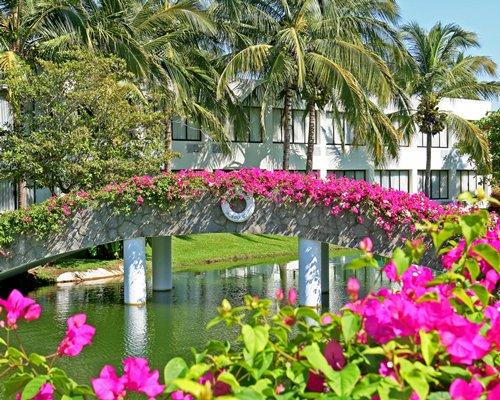 Great Mayan Sea Garden At Vidanta Acapulco