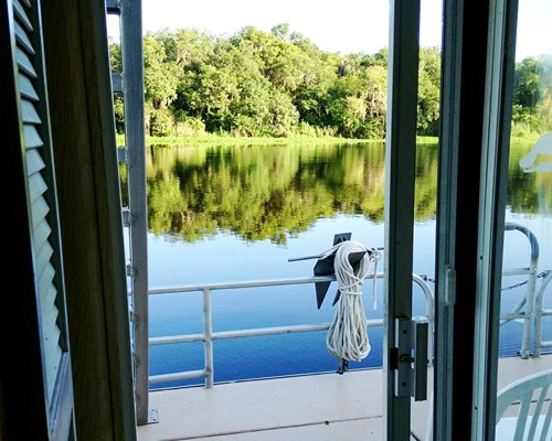 Grand Lakefront Resort Club USA / Holly Bluff Marina