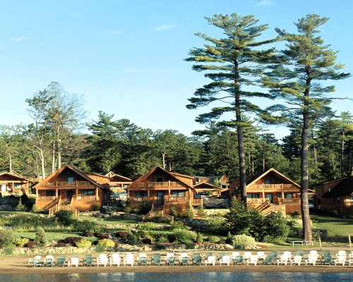 The Lodges at Cresthaven