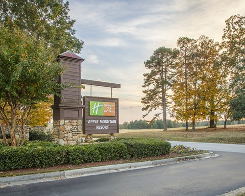 Holiday Inn Club Vacations Apple Mountain Resort