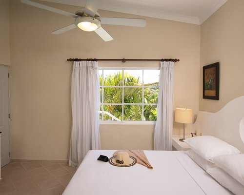 The Residence Suites at LHVC Resort