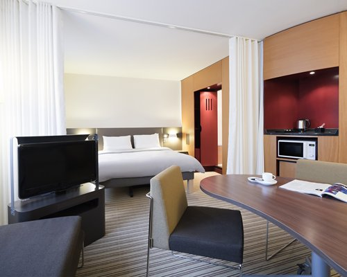 NOVOTEL SUITES PARIS NORD 18