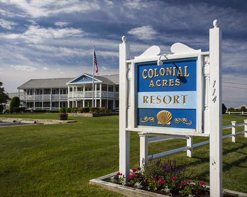 Colonial Acres Resort