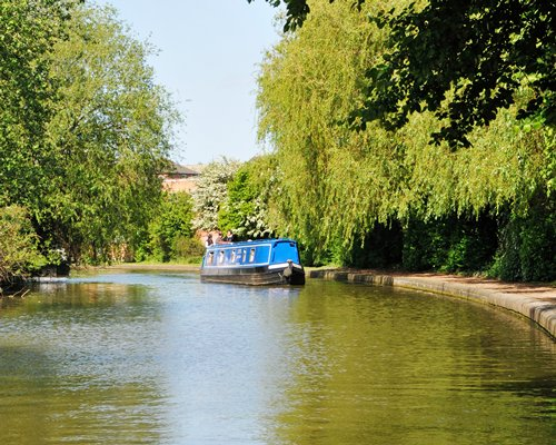 Canalboat at Worcester Marina