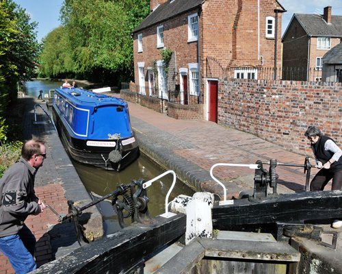 Canalboat Club at Gayton Marina