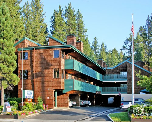Sapphire Resorts @ Snow Lake Lodge