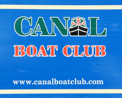 Canal Boat Club at Anderton Marina
