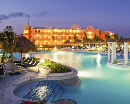 Grand Palladium Colonial Resort & Spa at Riviera Maya