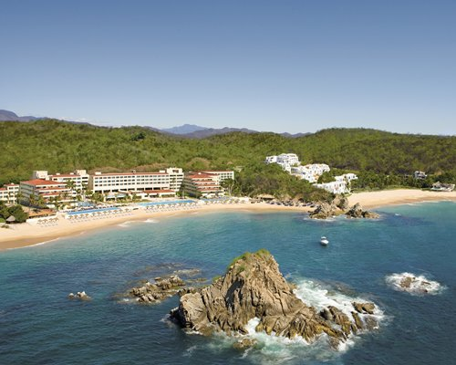 Dreams Huatulco Resort & Spa by UVC