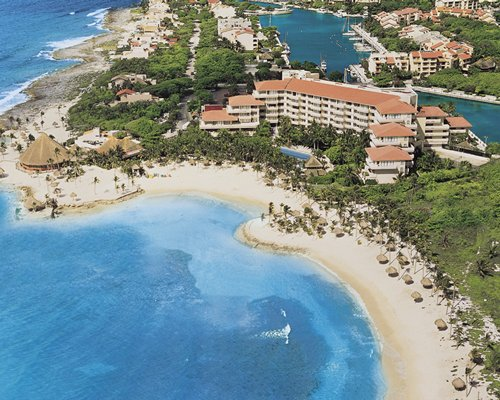 4 Night Dreams Puerto Aventuras Resort & Spa by UVC