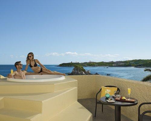 Dreams Huatulco Resort Spa By Uvc