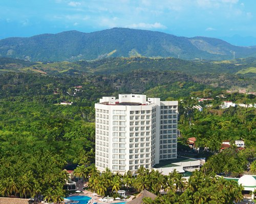 4 Night Sunscape Dorado Pacifico Ixtapa by UVC