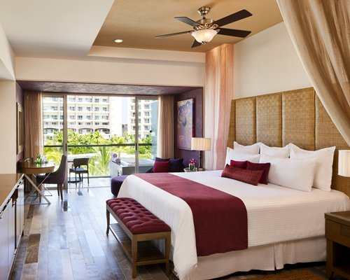 Secrets Vallarta Bay by UVC (C925)-4 Nights