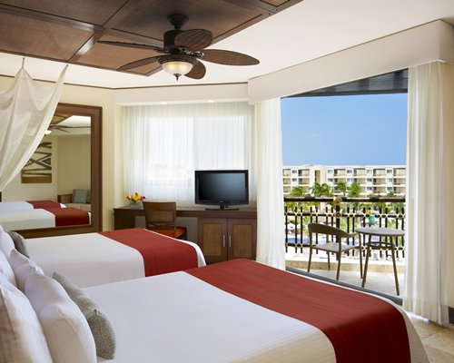 3 night DREAMS RIVIERA CANCUN RESORT by UVC