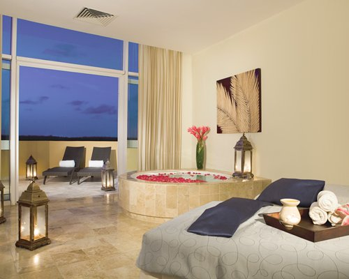 4 night NOW JADE RIVIERA CANCUN by UVC