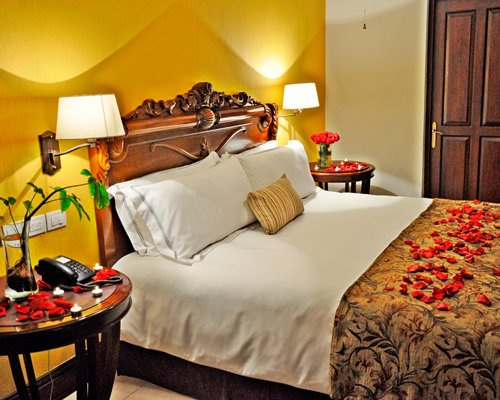 Los Abolengos Grand Class Casona Hotel - 2 Nights