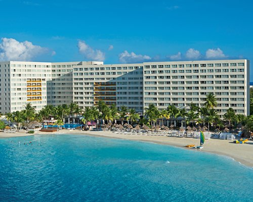 DREAMS SANDS CANCUN RESORT BY UVC