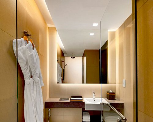 Ramada Singapore Zhongshan Park - 4 Nights