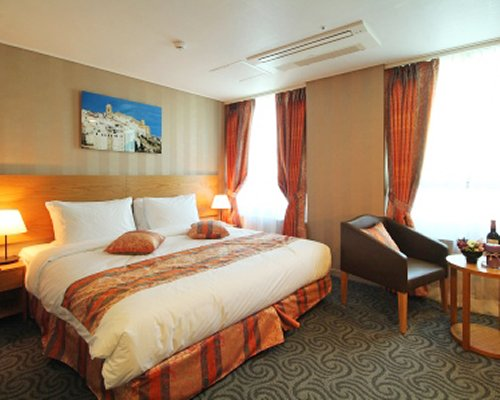 Ramada Seoul Jongno - 4 Nights