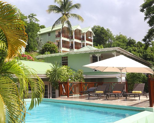 Marigot Beach Club &...