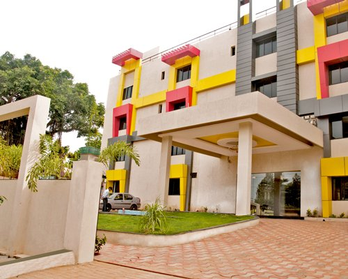 Sterling Yelagiri -  Marigold Ridge (D565) - 4 Nights